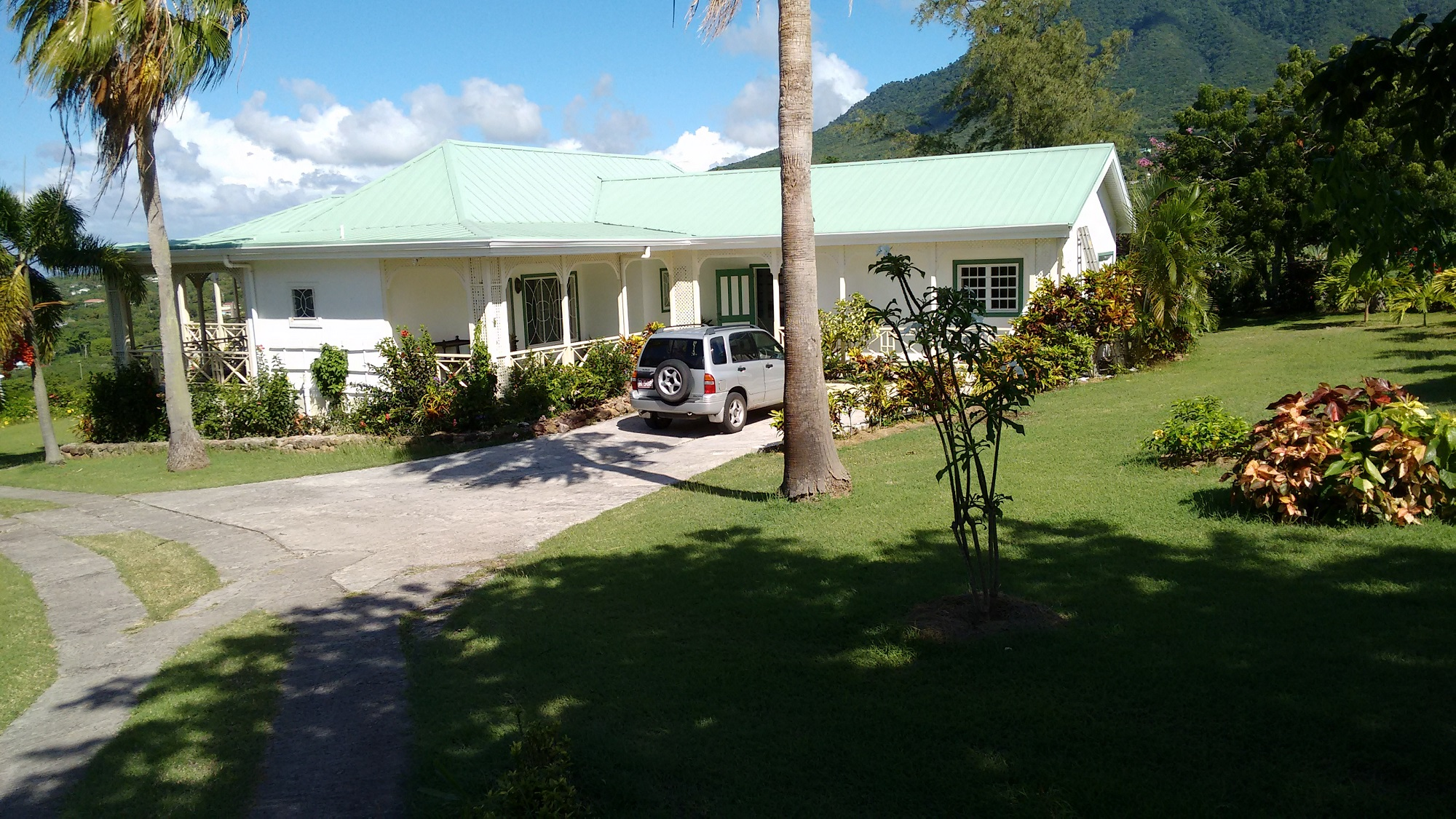 Hill Rise House Nevis Driveway